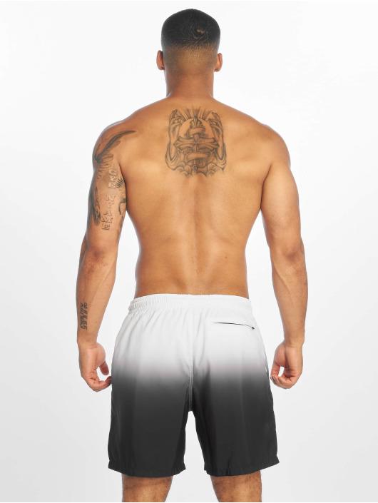 Urban Classics Boxer da mare Dip Dye bianco