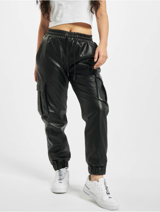 Urban Classics Cargohose Faux Leather schwarz