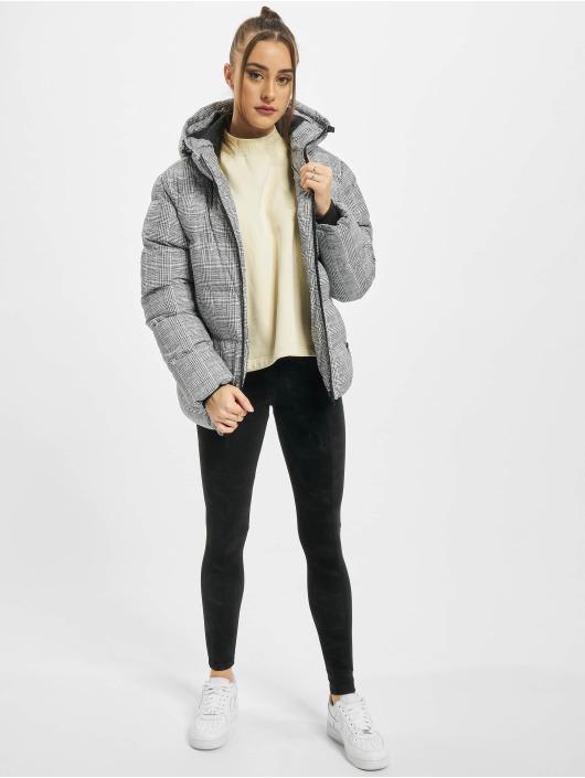 Urban Classics Gewatteerde jassen Ladies AOP Glencheck wit