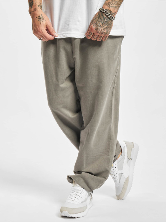 Urban Classics Jogging kalhoty Overdyed šedá