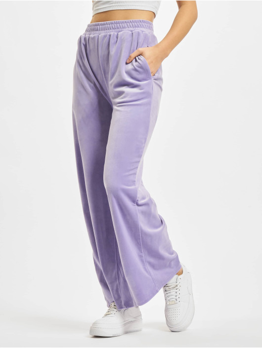 Urban Classics Jogging kalhoty Ladies High Waist Straight Velvet fialový