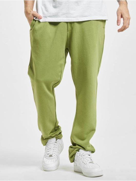 Urban Classics Joggingbyxor Organic Low Crotch oliv