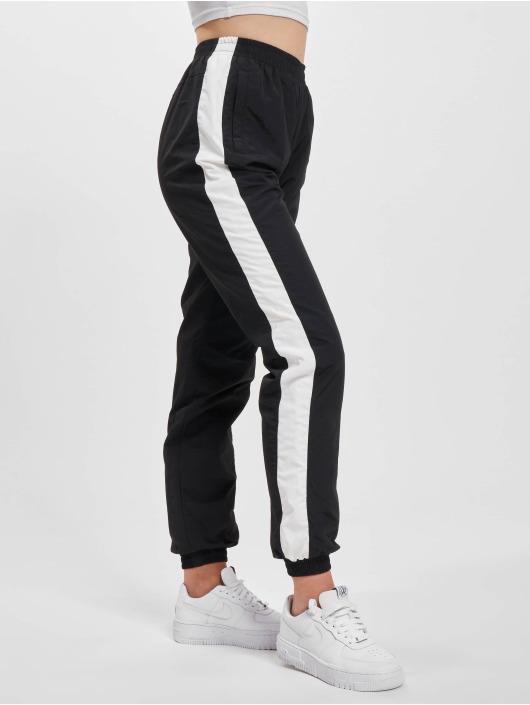 Urban Classics Jogginghose Striped Crinkle schwarz