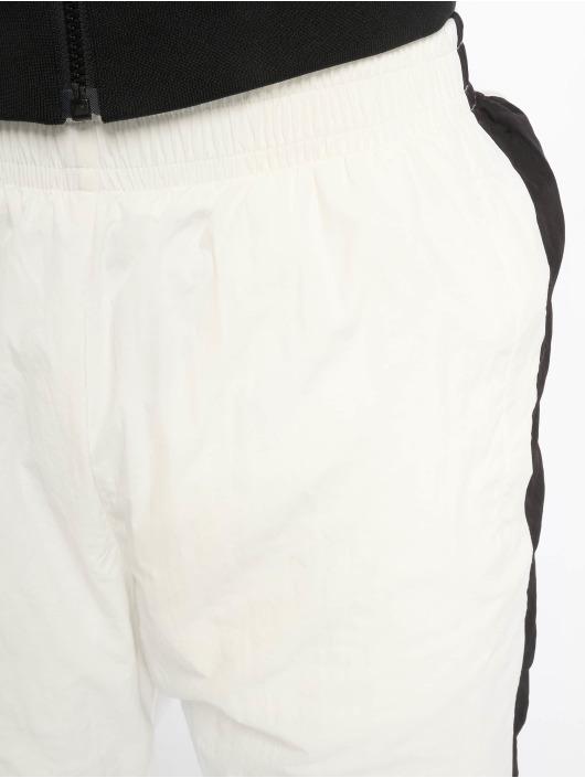 Urban Classics Jogginghose Side Striped Crinkle weiß