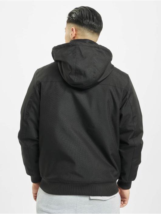 Urban Classics Kurtki zimowe Heavy Hooded czarny
