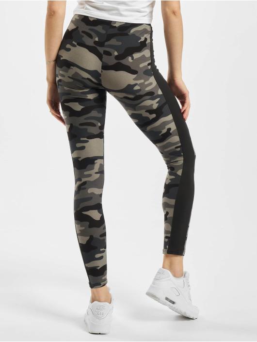 Urban Classics Legging Camo Stripe camouflage