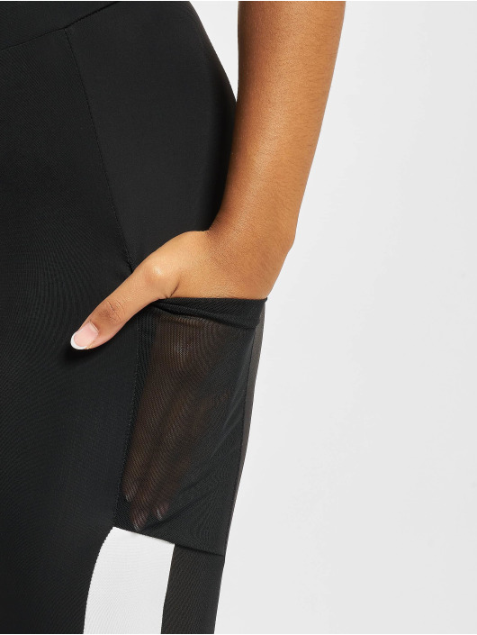 Urban Classics Leggings/Treggings Tech Mesh Striped Pocket czarny