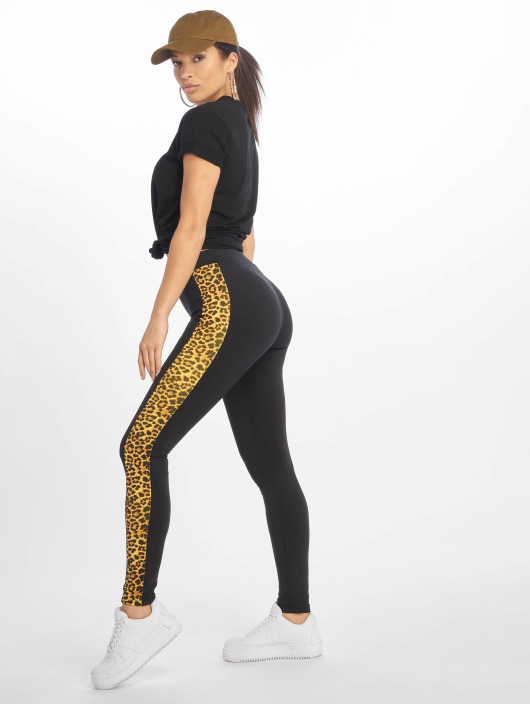 Urban Classics Leggings/Treggings Side Striped Pattern czarny