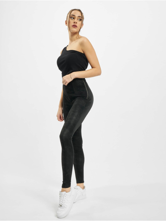 Urban Classics Pantalon chino Ladies Washed Faux Leather noir