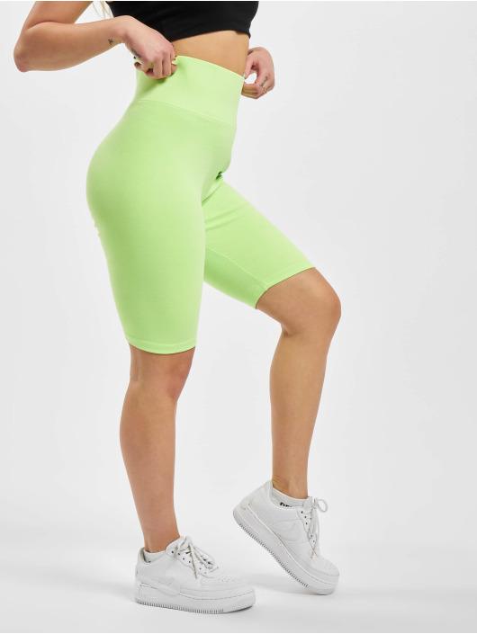 Urban Classics Pantalón cortos High Waist Cycle verde