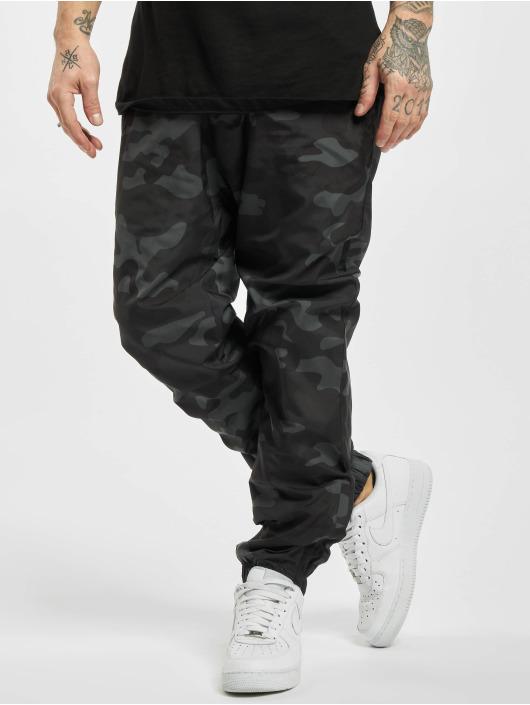 Urban Classics Pantalone ginnico Camo mimetico