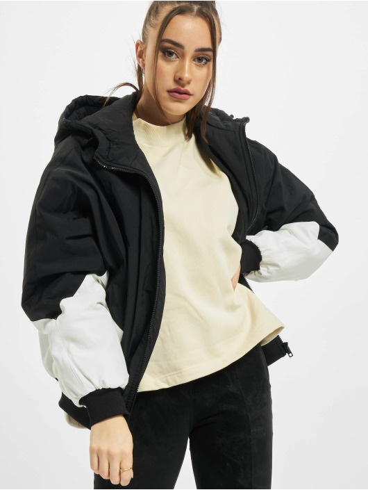 Urban Classics Prechodné vetrovky Ladies Padded 2-Tone Batwing èierna