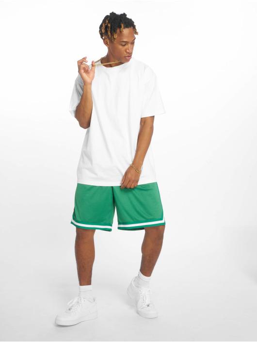 Urban Classics Short Stripes Mesh green