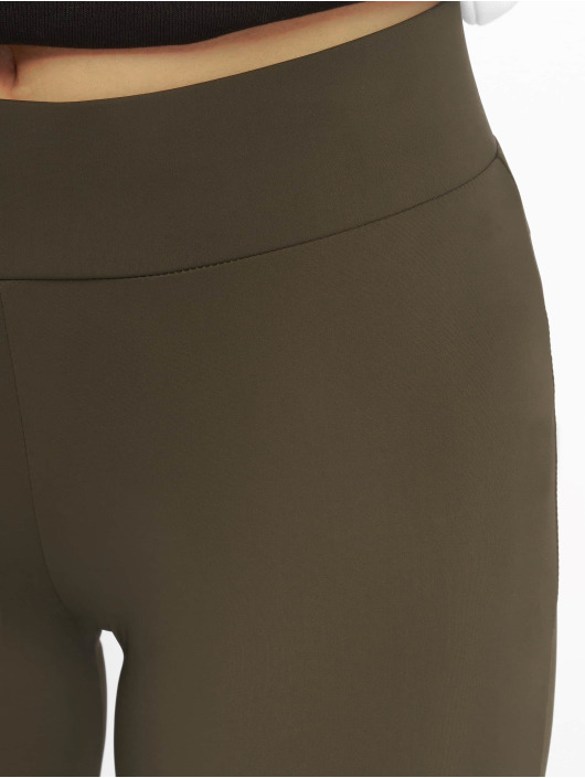 638036 Femme Classics Short Urban Cycle Olive HIED29