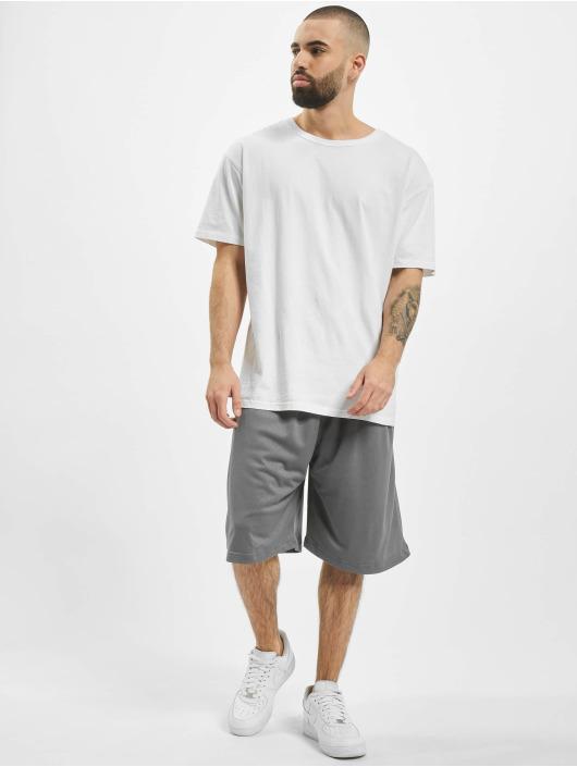 Urban Classics Shorts Bball grau
