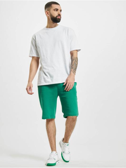 Urban Classics Shorts Basic grün