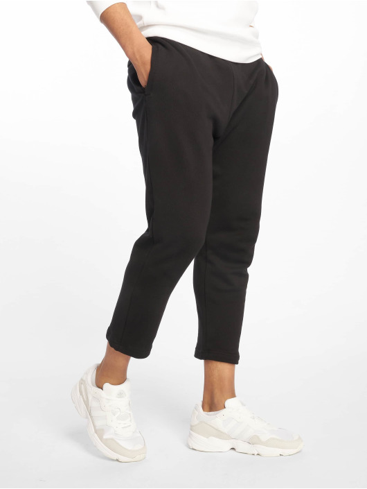 Urban Classics Spodnie do joggingu Cropped Terry czarny