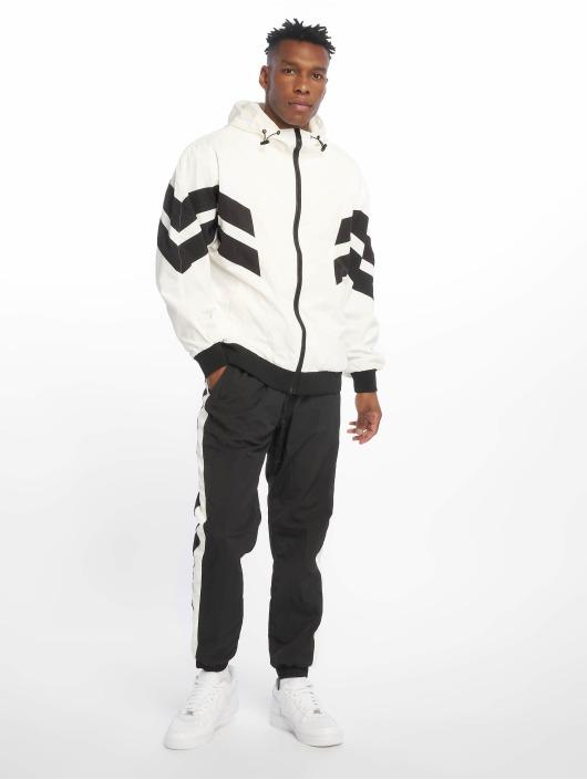Urban Classics Spodnie do joggingu Side Striped Crinkle czarny
