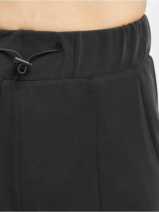 Urban Classics Spodnie do joggingu Ladies Soft Interlock czarny