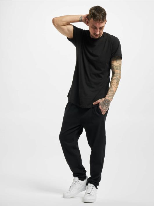 Urban Classics Spodnie do joggingu Formula Cropped Peached Interlock czarny