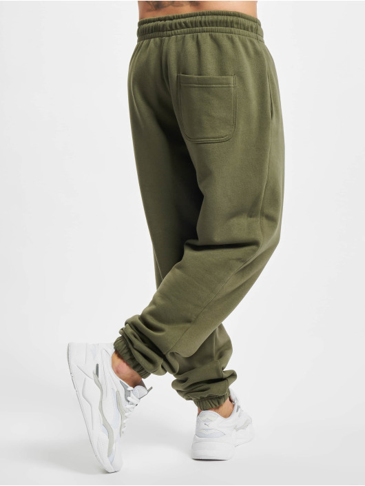 Urban Classics Spodnie do joggingu Basic 2.0 oliwkowy