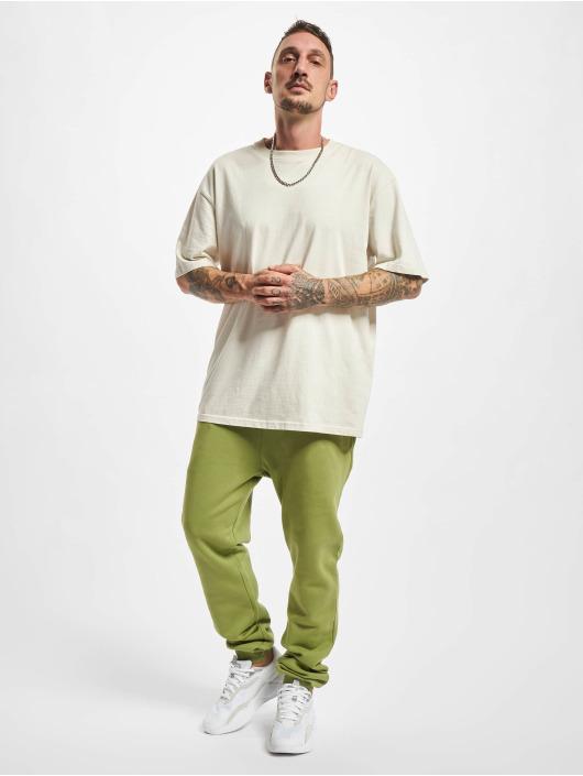 Urban Classics Spodnie do joggingu Organic Basic oliwkowy