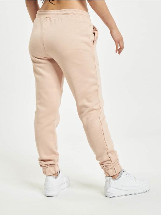 Urban Classics Spodnie do joggingu Shorty rózowy