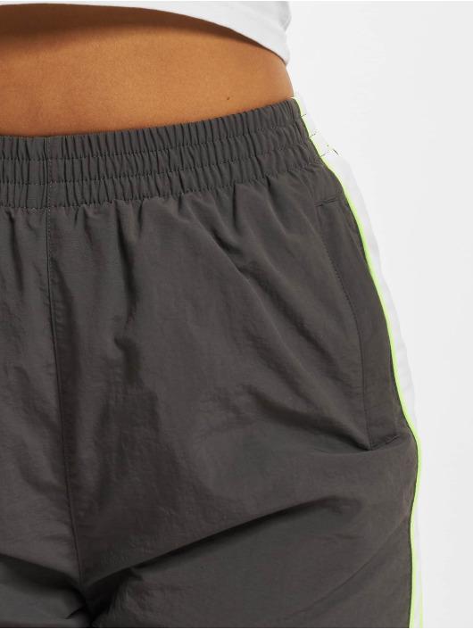 Urban Classics Spodnie do joggingu Piped szary