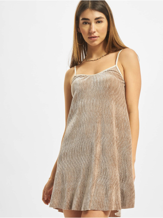 Urban Classics Sukienki Velvet bezowy