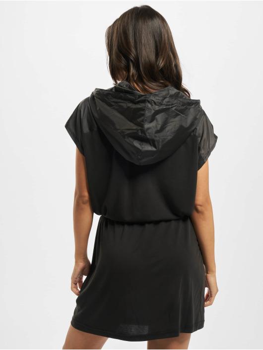 Urban Classics Sukienki Modal czarny