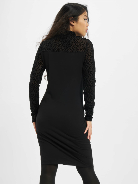 Urban Classics Sukienki Flock Lace Turtle czarny