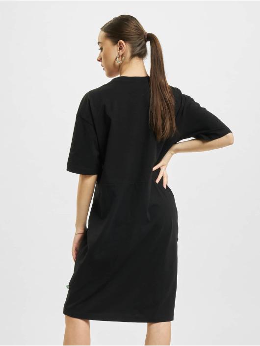 Urban Classics Sukienki Organic Oversized Slit czarny