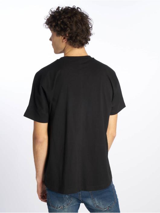 Urban Classics T-shirt Oversize Cut On Sleeve nero