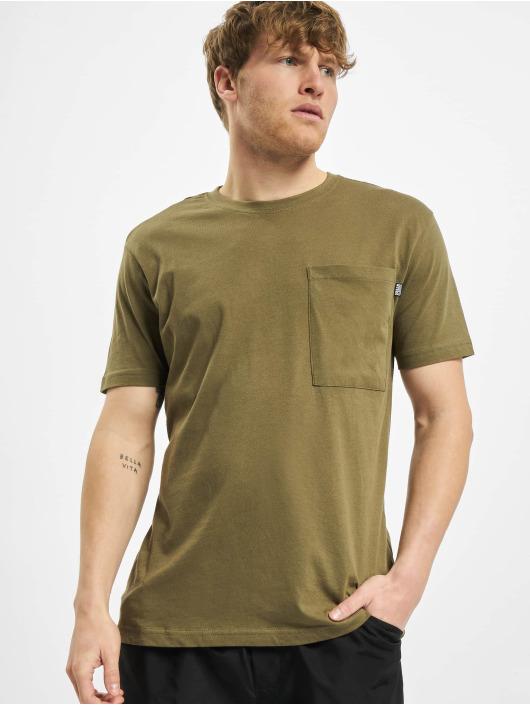 Urban Classics t-shirt Basic Pocket olijfgroen