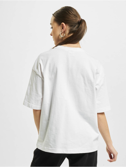 Urban Classics T-shirt Organic Oversized Pleat vit