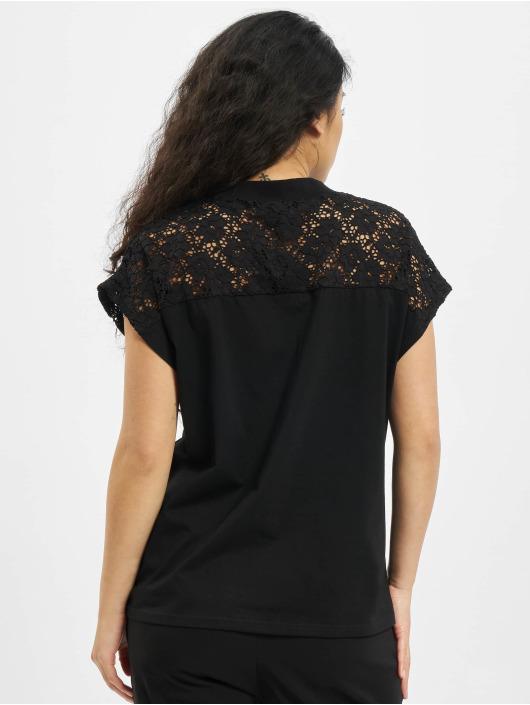 Urban Classics t-shirt Lace Yoke zwart