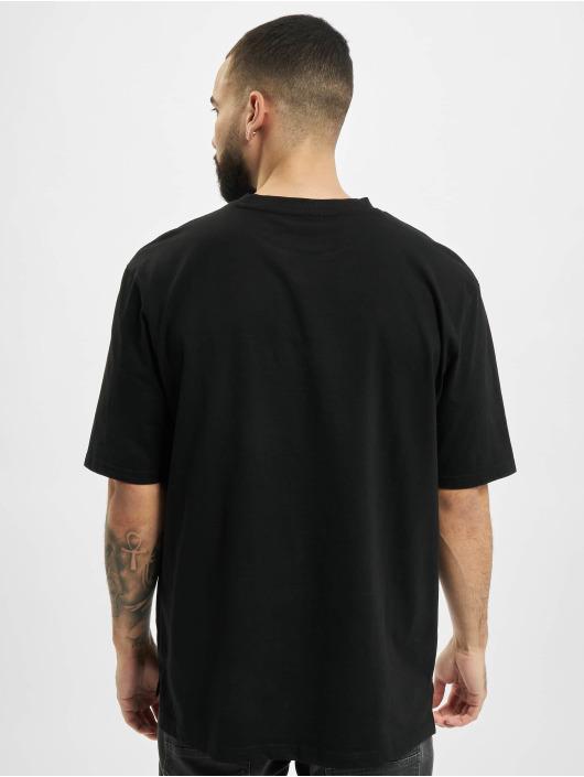 Urban Classics t-shirt Heavy Boxy Pocket Tee zwart