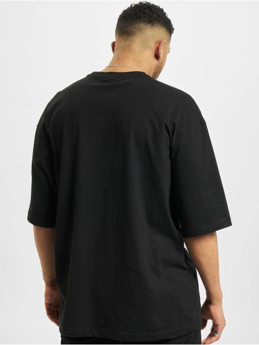 Urban Classics t-shirt Big Double Pocket zwart