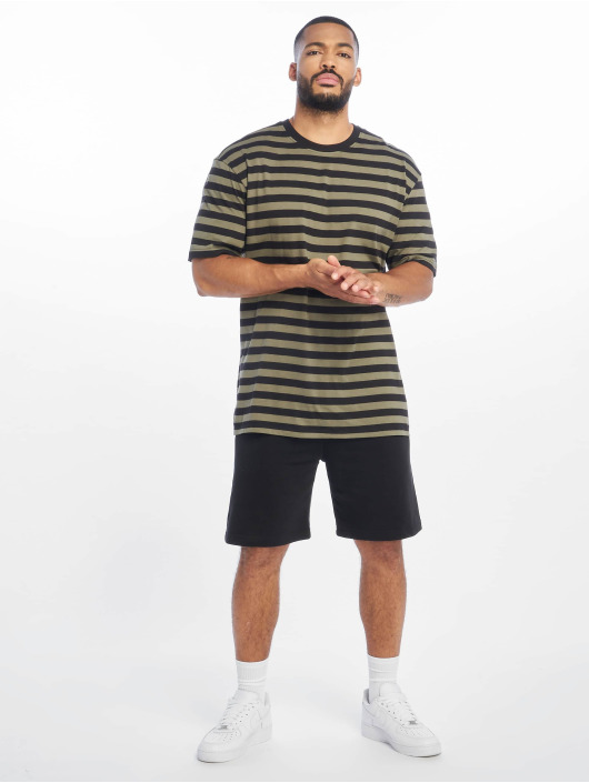 Urban Classics T-shirts Oversized Yarn Dyed Bold Stripe oliven