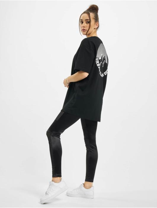 Urban Classics T-Shirty Oversized Boyfriend Uc Hiking czarny