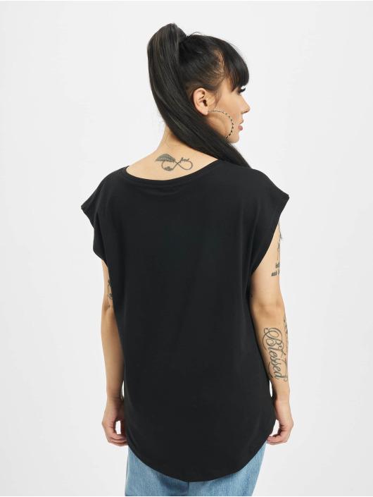 Urban Classics T-skjorter Basic Shaped svart