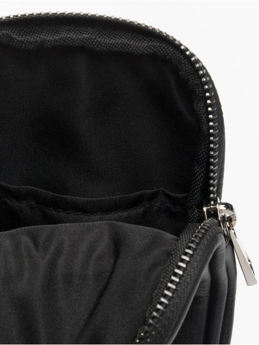 Urban Classics Tašky Imitation Leather Neckpouch čern