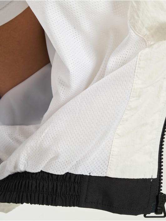 Urban Classics Transitional Jackets Short Raglan Crinkle Batwing svart
