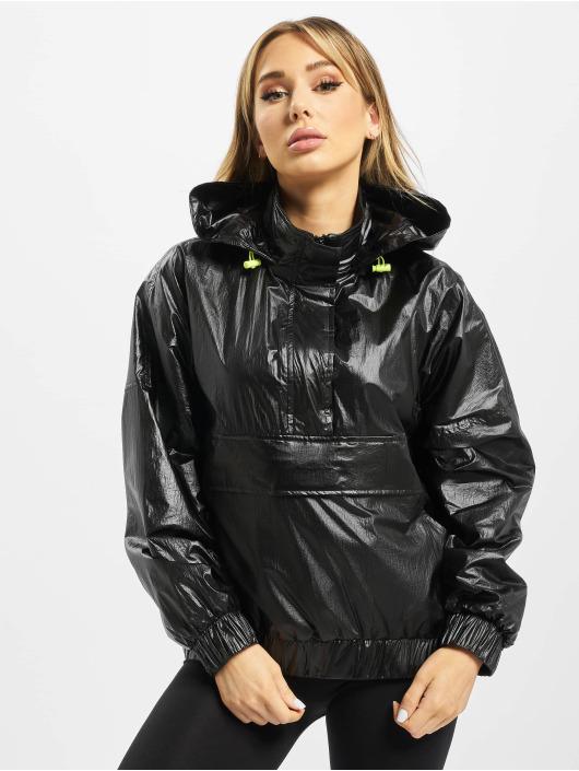 Urban Classics Transitional Jackets Ladies Vanish Crinkle svart