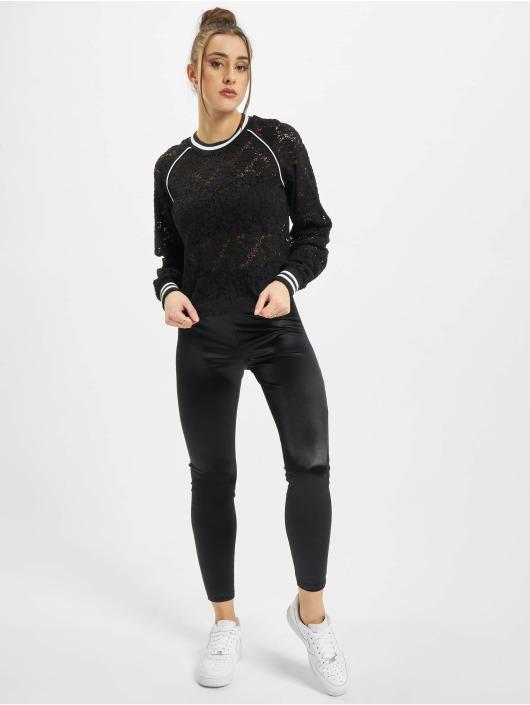 Urban Classics trui Ladies Short Lace College Crew zwart