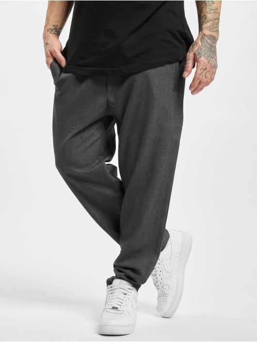 Urban Classics Tygbyxor Comfort Cropped grå