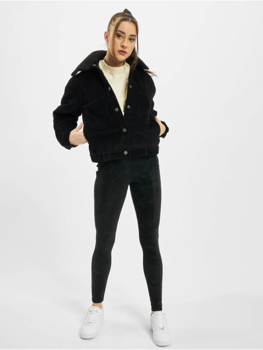 Urban Classics Välikausitakit Ladies Oversized Corduroy Sherpa musta