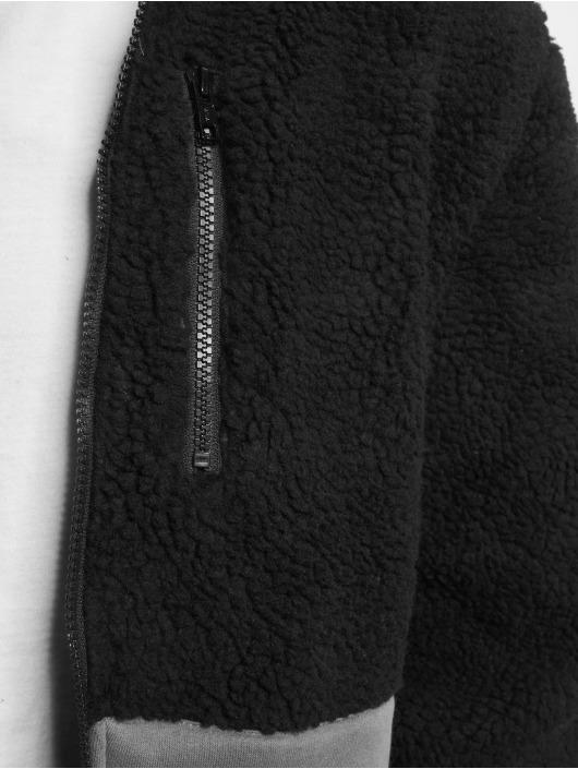 Urban Classics Välikausitakit Hooded musta