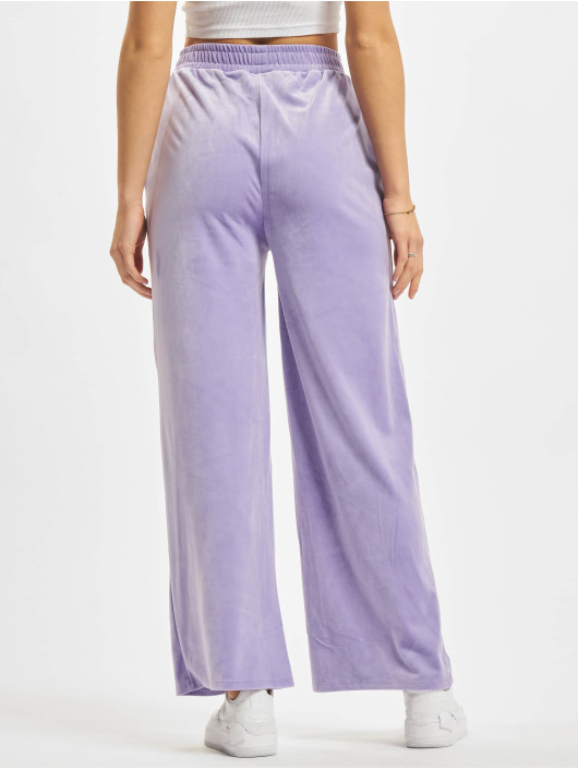 Urban Classics Verryttelyhousut Ladies High Waist Straight Velvet purpuranpunainen