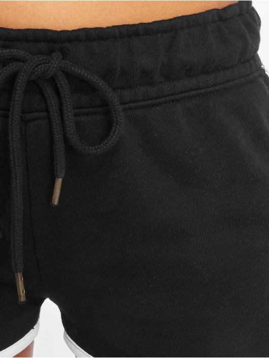 Who Shot Ya? Shorts Khia schwarz